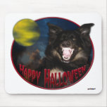 Lobo asustadizo del feliz Halloween Alfombrillas De Raton