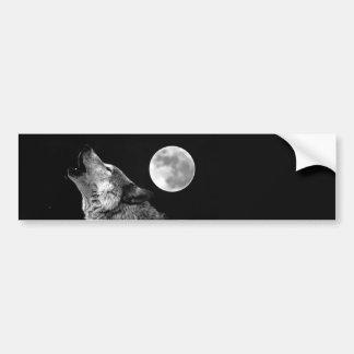Lobo de BW que grita en la luna Pegatina De Parachoque