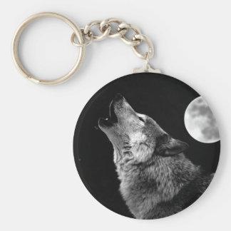 Lobo de BW que grita en la luna Llavero Personalizado