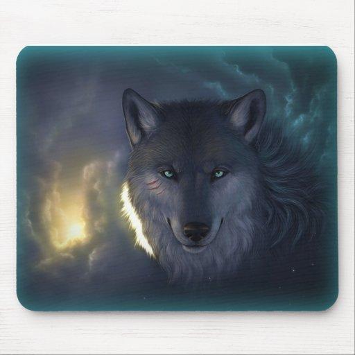 Lobo de la fantasía tapetes de ratón