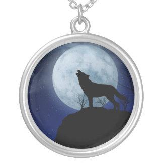 Lobo de la Luna Llena Colgante Redondo