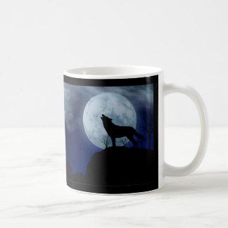 Lobo de la Luna Llena Taza
