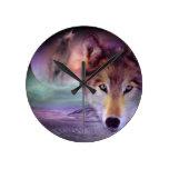 Lobo de la luna reloj de pared