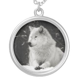 Lobo de la nieve colgante redondo