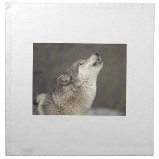 Lobo de madera que grita servilletas