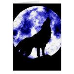 Lobo del grito en la luna tarjetas