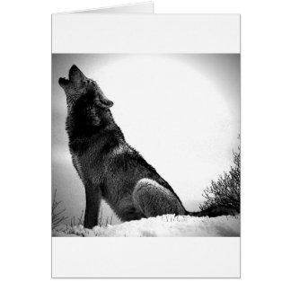 Lobo del grito en nieve tarjeta de felicitación