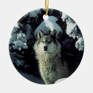 Lobo en nieve adorno de navidad