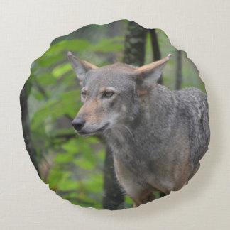 Lobo gris cojín redondo