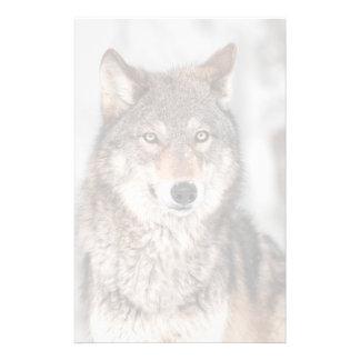Lobo gris (lupus de Canis) con una parte posterior Papelería De Diseño