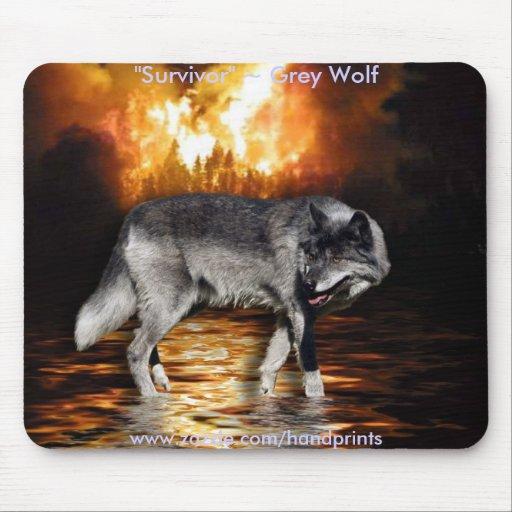 Lobo gris y incendio forestal alfombrillas de ratón