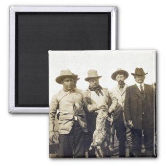 Lobo Hunting, 1905 de Teddy Roosevelt Imán Cuadrado