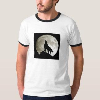 Lobo Junto a la Luna Playera