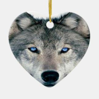 Lobo observado azul adorno de cerámica en forma de corazón
