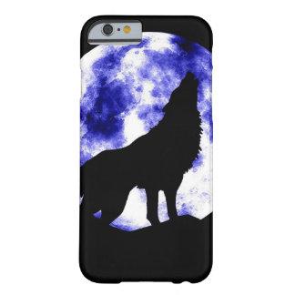 Lobo que grita en el caso del iPhone 6 de la luna Funda De iPhone 6 Barely There