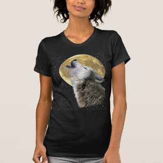 Lobo que grita en la camisa de la luna y de la fau