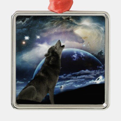 Lobo que grita en la luna adorno navideño cuadrado de metal