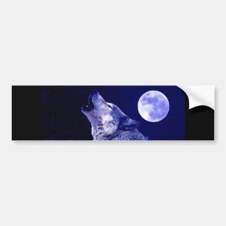 Lobo que grita en la luna etiqueta de parachoque