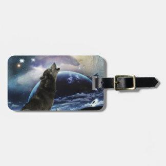 Lobo que grita en la luna etiquetas maleta