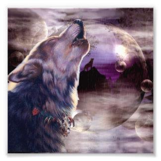Lobo que grita en la luna cojinete