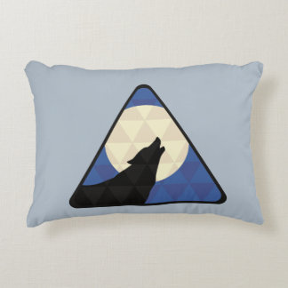 Lobo que grita en la luna grande con diseño del