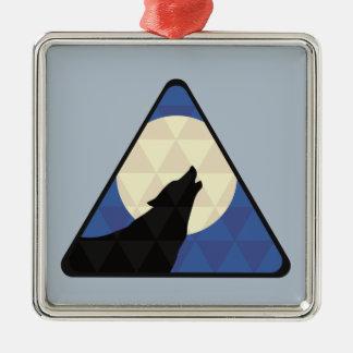 Lobo que grita en la luna grande con diseño del adorno navideño cuadrado de metal