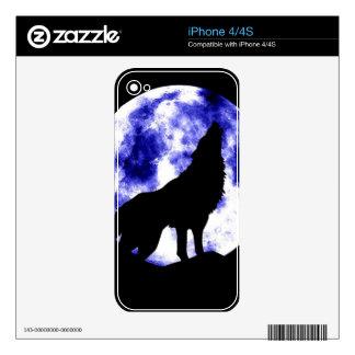 Lobo que grita en la luna iPhone 4 calcomanía