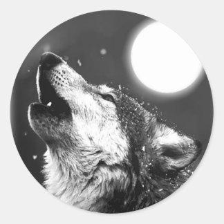 Lobo que grita en la luna etiquetas