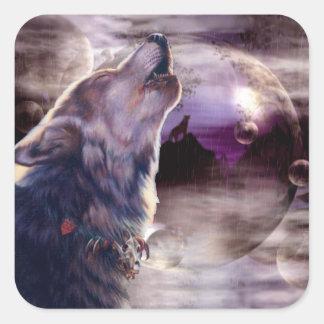 Lobo que grita en la luna pegatina cuadrada