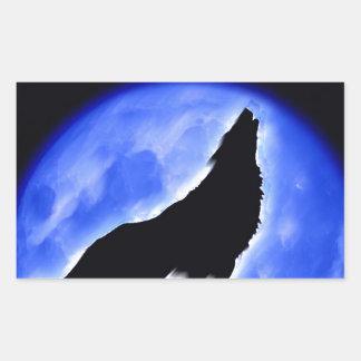 Lobo que grita en la luna pegatina rectangular