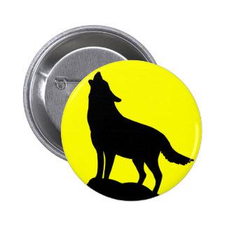 Lobo que grita en la luna pin redondo de 2 pulgadas
