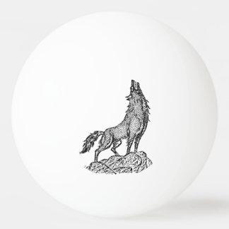 Lobo que grita en la silueta de la luna pelota de ping pong