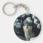 Lobo que se coloca en nieve llaveros personalizados