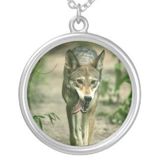 Lobo rojo astuto norteamericano pendiente personalizado