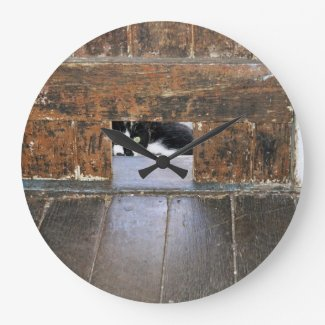 Lobo - Round (Large) Wall Clock