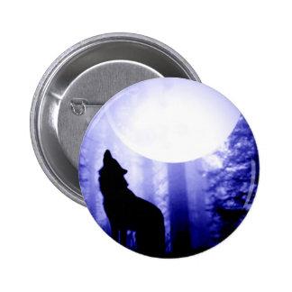 Lobo solo que grita en la luna pin redondo 5 cm