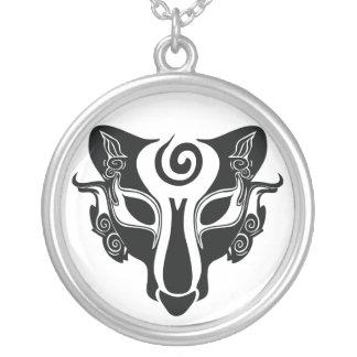 Lobo tribal colgante redondo