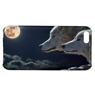 Lobos del lobo que gritan en la Luna Llena en la
