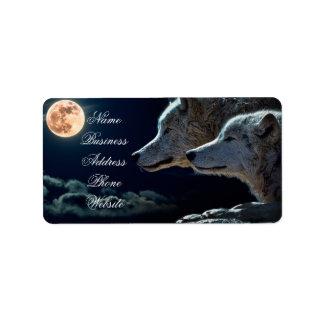 Lobos del lobo que gritan en la Luna Llena Etiquetas De Dirección