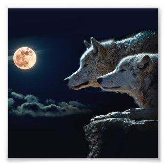 Lobos del lobo que gritan en la Luna Llena Cojinete