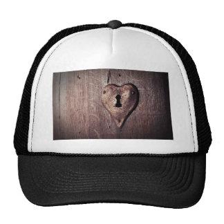 Lock Heart Cap