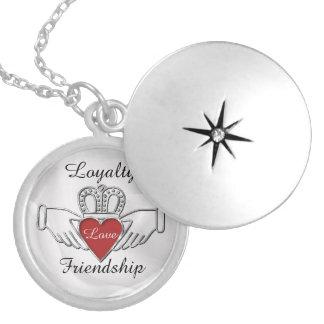 Locket de Claddagh de la amistad del amor de la Medallón