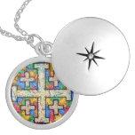 Locket del mosaico de la cruz de Jerusalén Collar