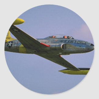 Lockheed T-33 Silverstar en vuelo en Duxford, leva Etiqueta Redonda