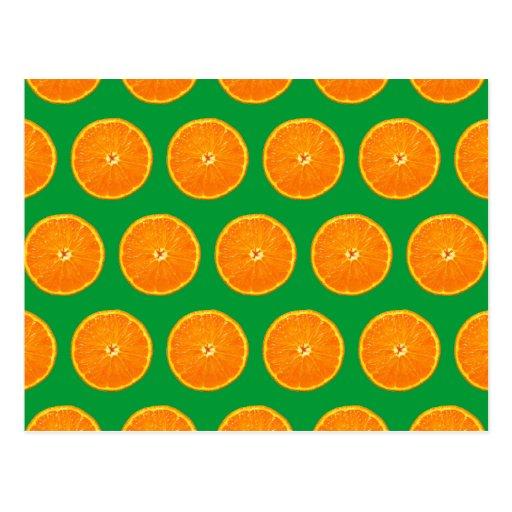 Loco en clementinas tarjeta postal