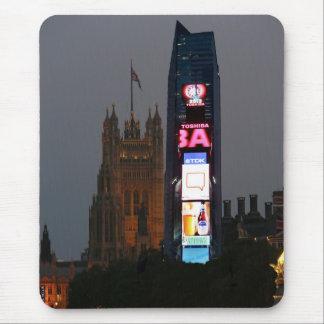 ¡Loco! New York City resuelve Londres Alfombrilla De Ratón
