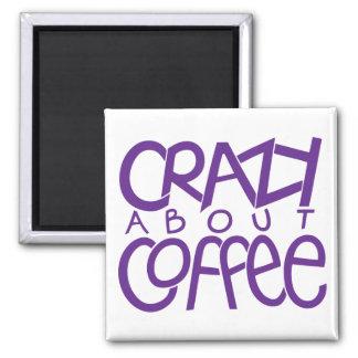 Loco por el imán de la púrpura del café