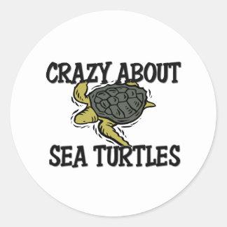 Loco por tortugas de mar pegatina redonda