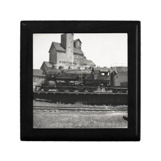 Locomotive Steam Engine on Turntable Vintage Jewelry Box