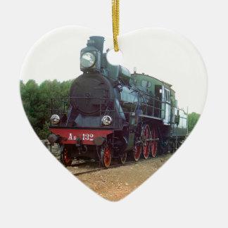 Locomotora de vapor rusa adorno de cerámica en forma de corazón
